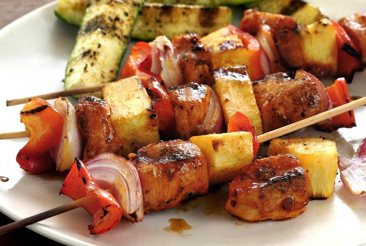 easy recipe for paleo chipotle-lime shish-kabobs on the grill