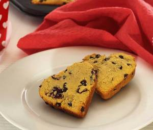 easy recipe for gluten-free scones with cranberries and chocolate chips