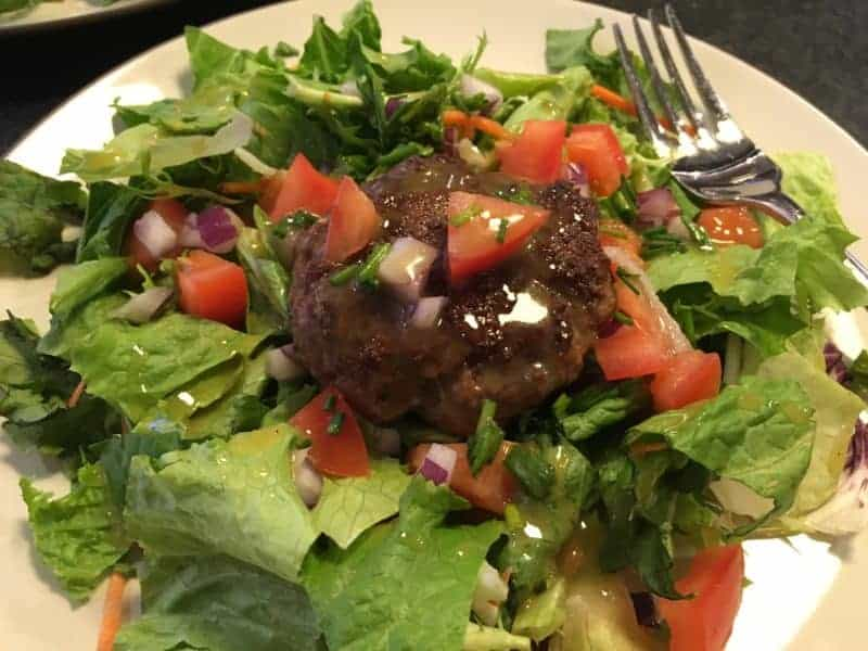Hamburger Salad with Mustard Vinaigrette | Paleo Scaleo