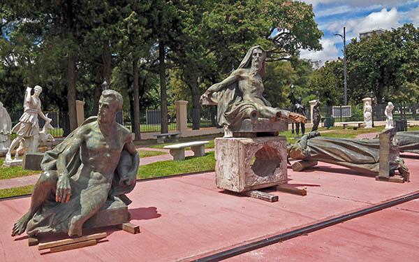 Monumento a España - MOA