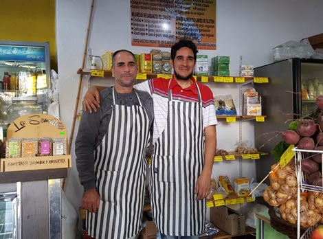 Marcelo Andión vende comida preparada