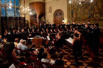 """""""Misa criolla"""" y """"Navidad nuestra"""" - Coro Nacional de Jóvenes - Museo de Arte Decorativo"""