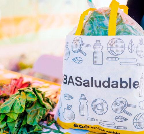 Frutas y Verduras agroecológicas en los Parques Saavedra y Chacabuco