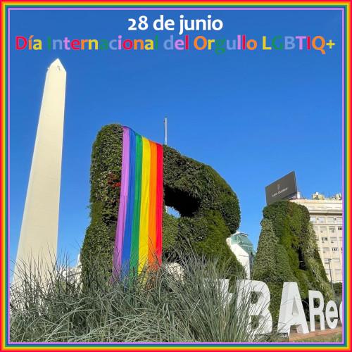 La ciudad luce los colores del arcoiris en el Día Internacional del Orgullo LGBTIQ+