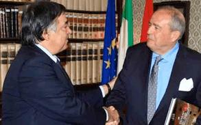 Entrevista del embajador Elorza a Palermo Leoluca Orlando