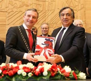 Dusseldorf Palermo Die Burgermeistere Thomas Geisler und Leoluca Orlando