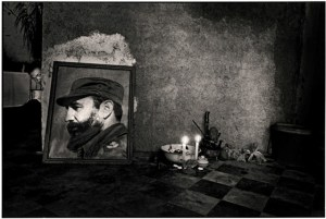 Ernesto Bazan Santeriaaltar,Havana, 1995
