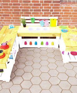 Matschküche-Kinderküche-aus-Paletten-Holz-XLMP-bunt-gelb