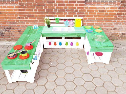 Matschküche-Kinderküche-aus-Paletten-Holz-XLMP-bunt-grün