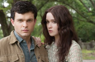 """(L -r) ALDEN EHRENREICH as Ethan Wate and ALICE ENGLERT as Lena Duchannes in Alcon Entertainment's supernatural love story """"BEAUTIFUL CREATURES,"""" a Warner Bros. Pictures release."""