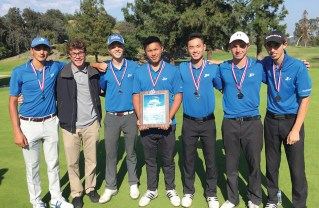 Pali High Golfers Lose by Two Strokes