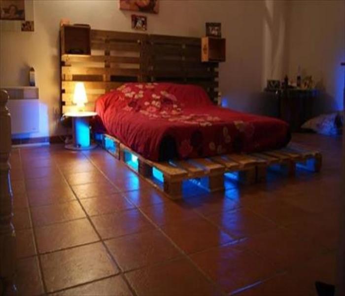 Pallets Powered Room Ideas | Pallet Ideas on Pallet Room Ideas  id=18224