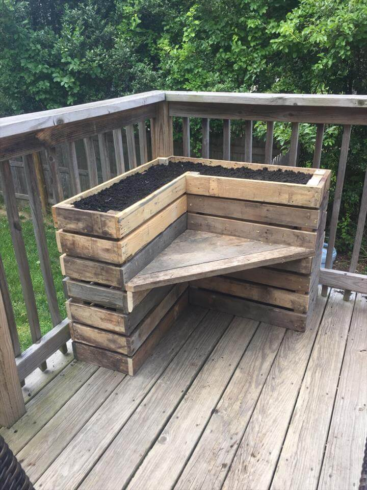 Diy Pallet Bench With Flower Box For Corner Pallets Pro