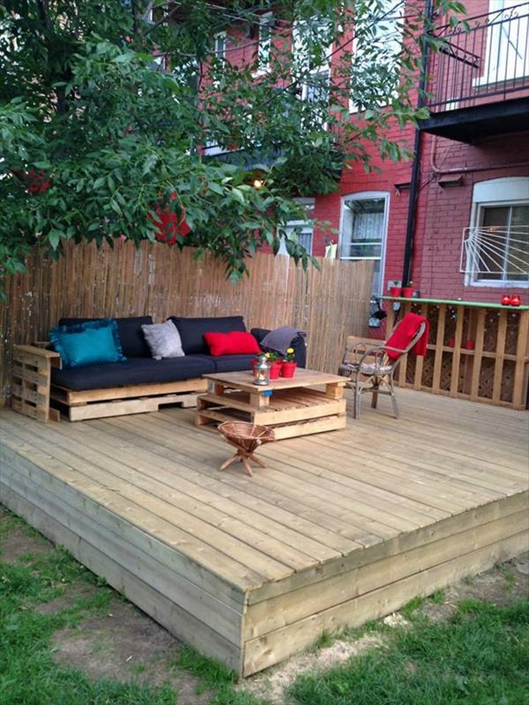 DIY Pallet Patio Decks with Furniture | Pallet Wood Projects on Wood Deck Ideas For Backyard  id=83879