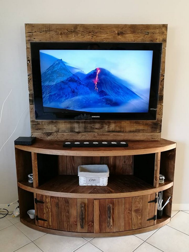 Diy Wood Pallet Entertainment Center Tv Stand Pallet
