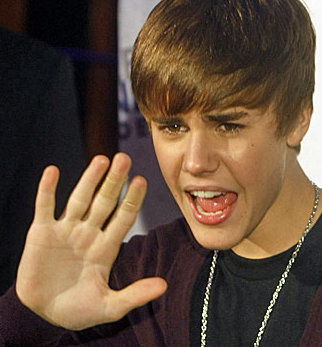 Justin Bieber waving