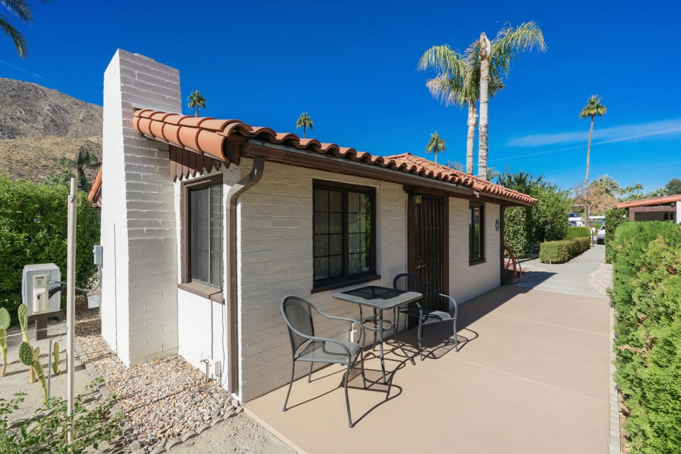 Palm Springs Cottages
