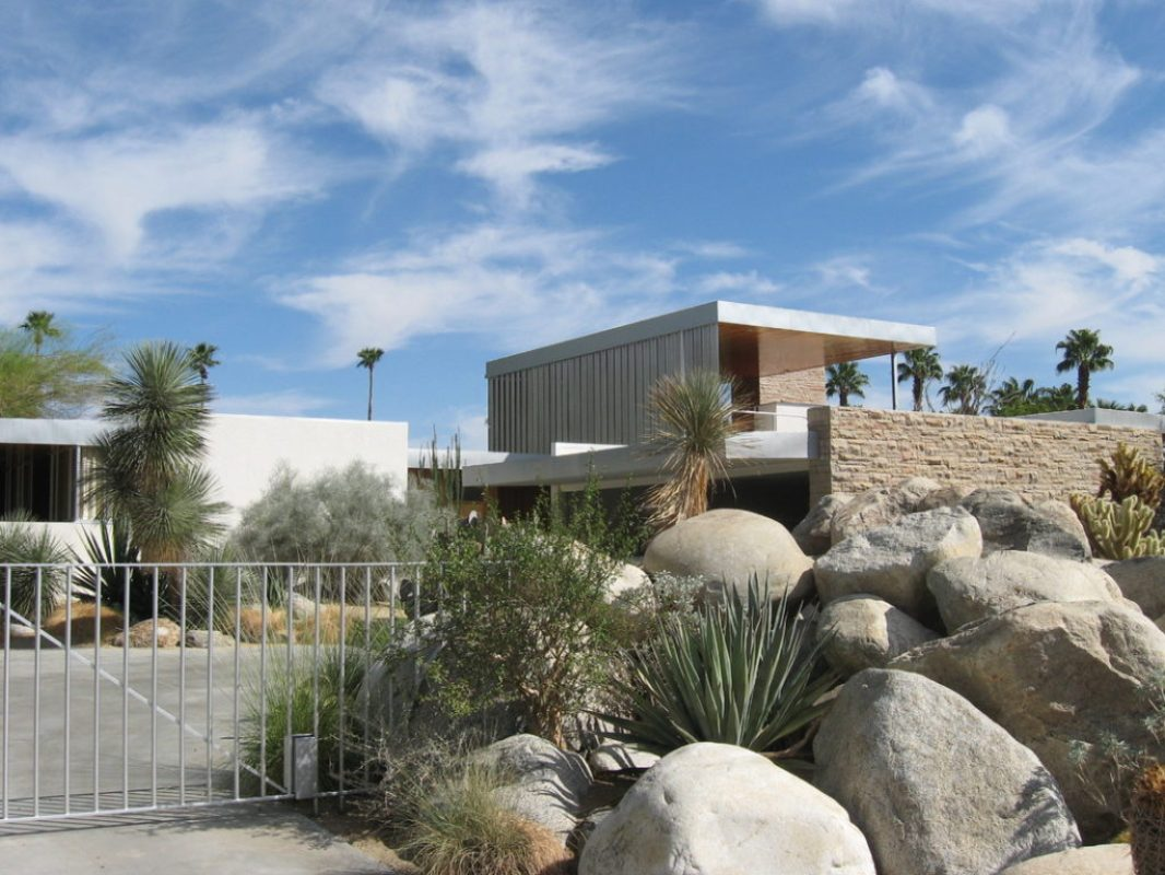 city hike kaufman house palm springs (robert imber)