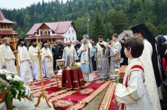hram_manastirea-paltin_foto-tudorel-rusu-8