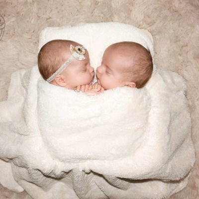Welcome Pendergrast Twins Layla & Logan | Celebrity Newborn Photographer KY