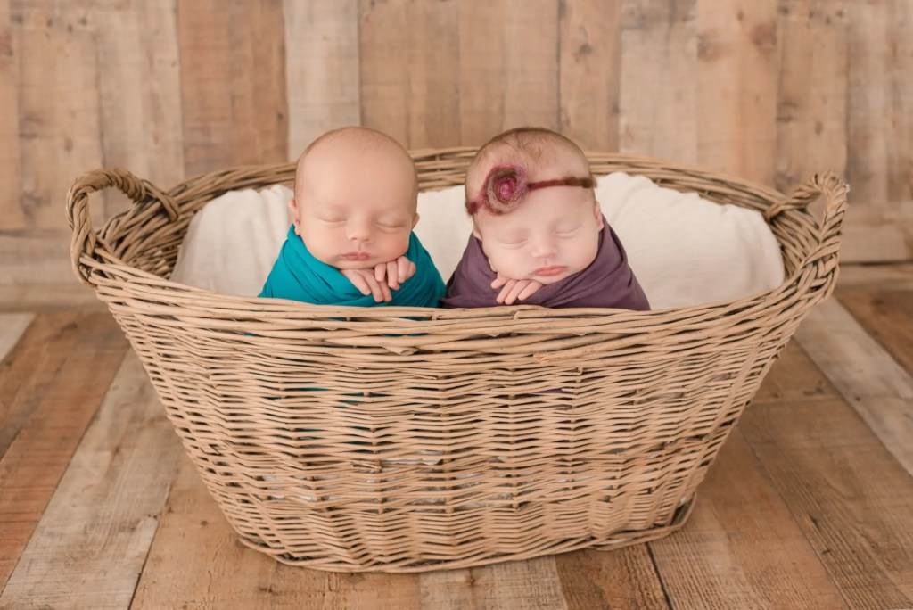 Ohio Twin Newborn Pictures