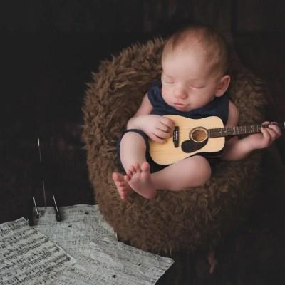 Newborn Session Ashland KY | Brentley's Guitar Imagination Session