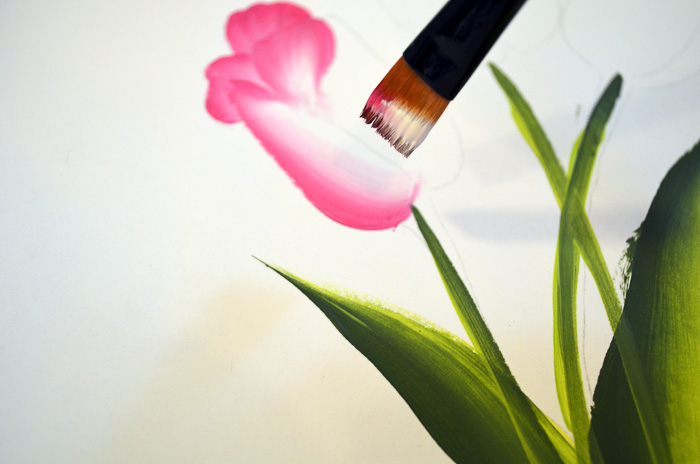 painting front petals on tulips, pamela groppe art, how to paint pink tulips