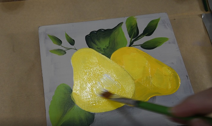 add highlights to painting a pear