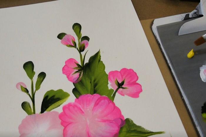 Add calyxs to the hollyhock flowers