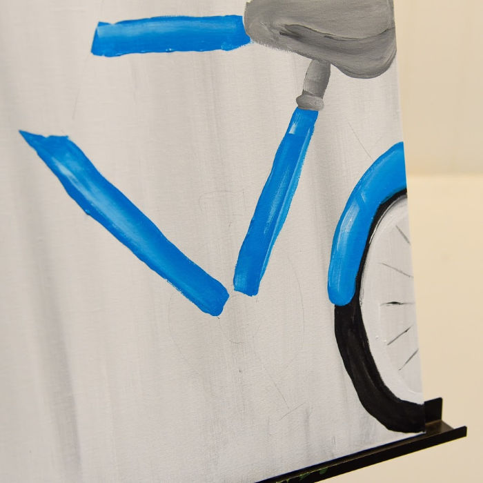 paint bicycle back tire
