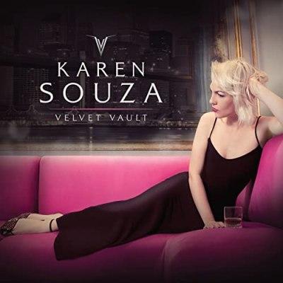 Karen Souza 08