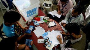 140805072221_afghan_election_audit_recount_process_624x351_bbc