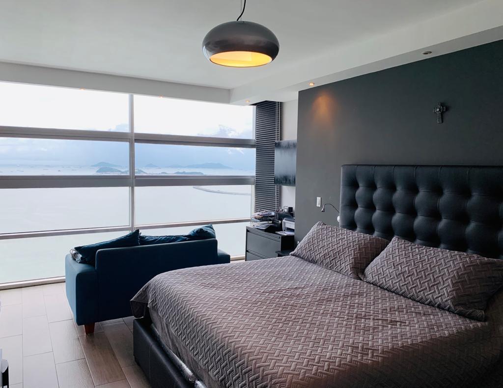Venta – Apartamento-  WATERS ON THE BAY – Avenida BALBOA – 123m2