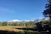 Schneebedeckte Gipfel im Parque Pumalin
