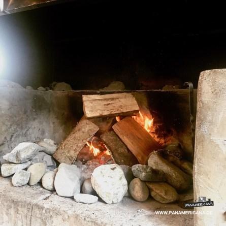 Und morgens am Feuer aufwärmen