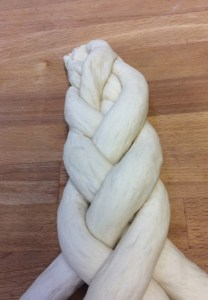 Bakers' Topic - plaiting (2) 4
