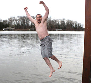 A brave polar jumper takes the icy plunge into Lake Anna to raise funds for pancreatic cancer.