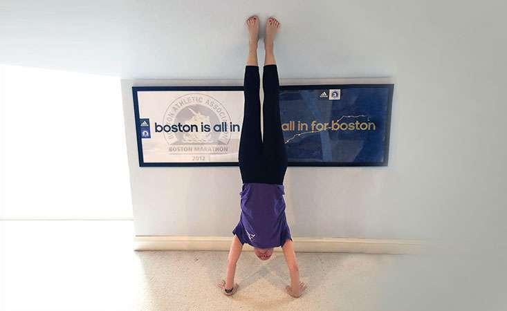 """Stage IV pancreatic cancer survivor does handstand for """"Handstands for PanCAN"""" challenge"""