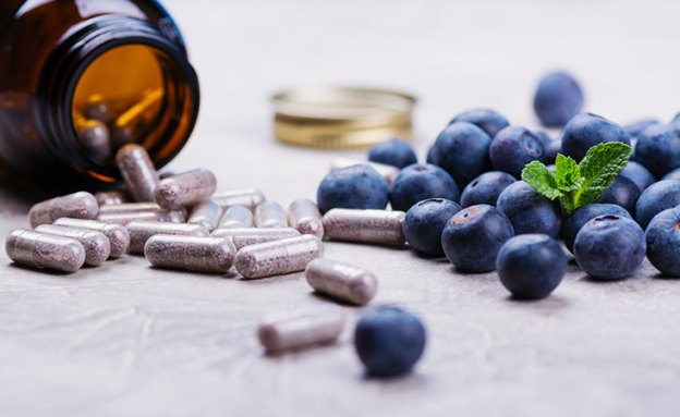 Pancreatic enzymes and fresh fruit snack