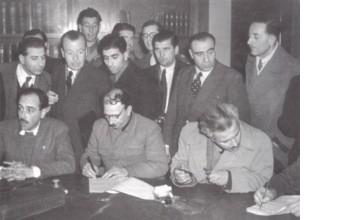 Συμφωνία της Βάρκιζας υπογραφή