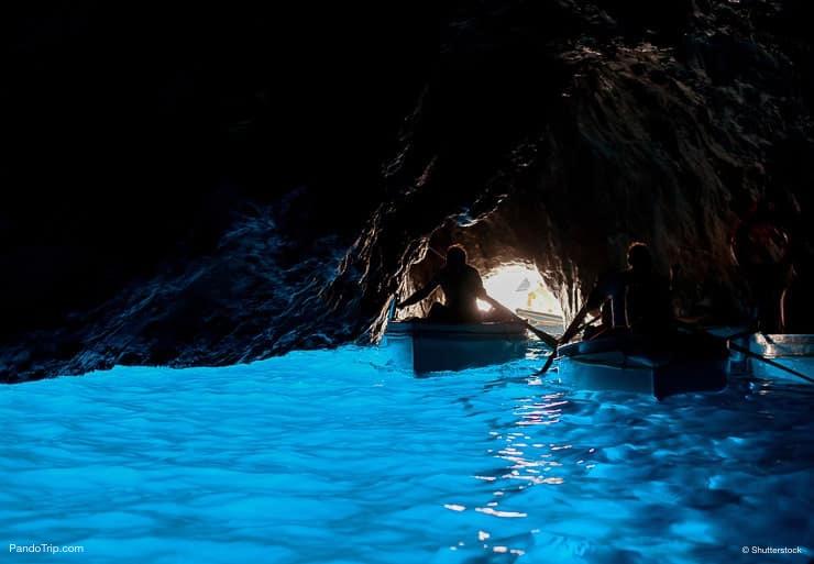 مغارة زرقاء أو جروتا أزورا ، كابري ، إيطاليا