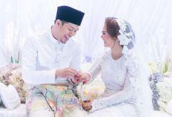 Gambar Perkahwinan Jep Sapahtu dan Sari Yanti  yang Viral.