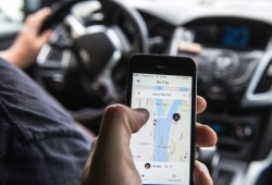 Hati Hati Naik Uber Di Kuala Lumpur dan Jangan Menepuk Belakang Pemandu.