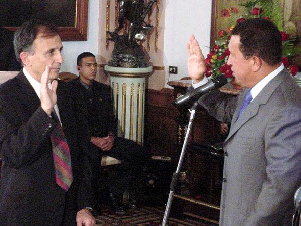 20040610sesto_novas_ministro_cultura_venezuela01_590.jpg