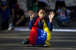 LA OPOSICIÓN SE MANIFIESTA Y TODOS RECHAZAN LA VIOLENCIA EN VENEZUELA