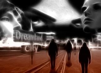 https://pixabay.com/es/la-cara-mujer-sue%C3%B1o-sue%C3%B1os-ciudad-1468274/