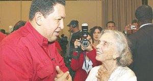 Elena Poniatowska luego de un Aló Presidente con Chávez