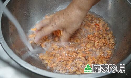 95-03清水沖洗蝦米