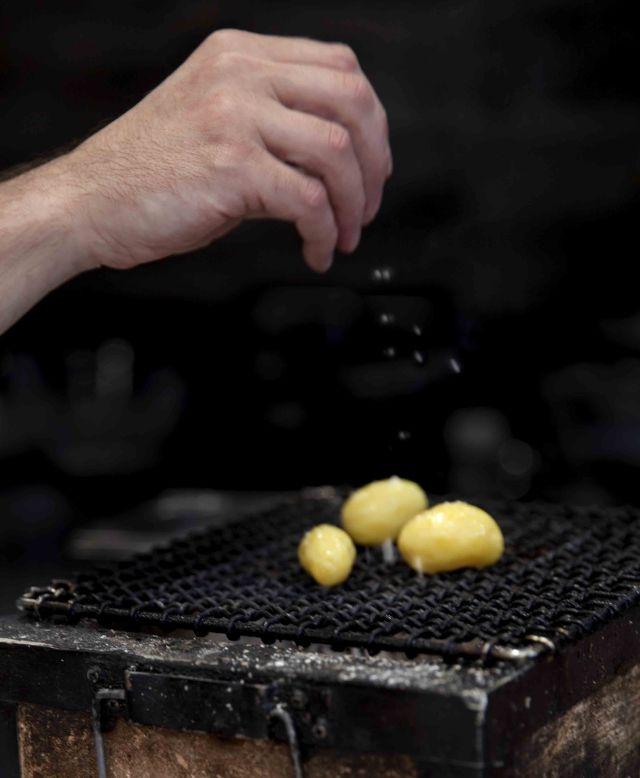 Alexandre Couillon La Marine Pommes de terre La Noirmoutier BBQ japonais 2c