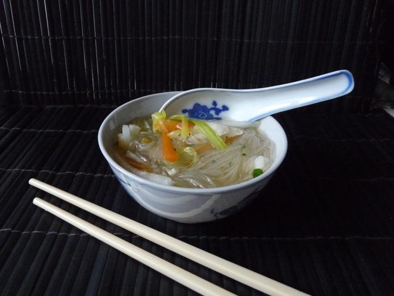 Bouillon de légumes aux vermicelles de soja